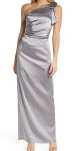 NWT One Shoulder Stretch Gown